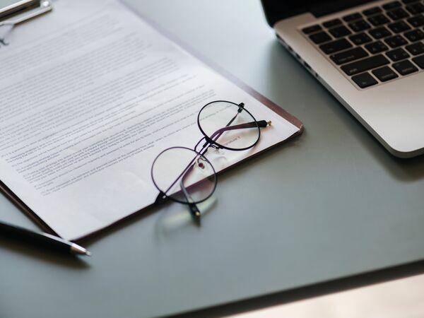 Zmiana sprzedawcy – zweryfikuj zapisy dotyczące okresu wypowiedzenia umowy